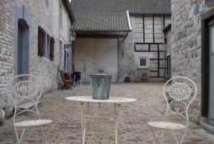 0758-bb-hotel-berneau-berneau-01-600